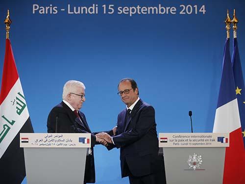 Tổng thống Pháp Francois Hollande (phải) và người đồng cấp Iraq Fuad Masum tại hội nghị ở Paris hôm 15-9Ảnh: Reuters