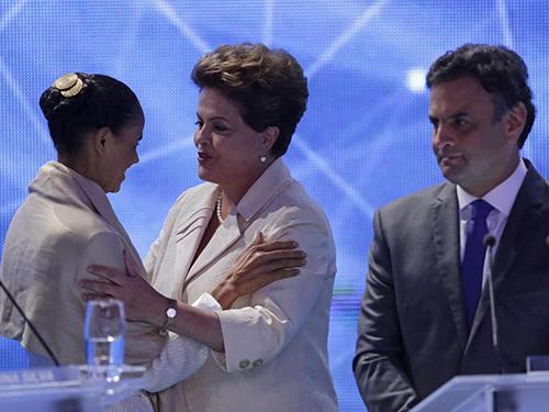 Các ứng viên tổng thống Marina Silva (trái), Dilma Rousseff (giữa) và Aecio Neves tại cuộc tranh luận trên truyền hình hôm 26-8 Ảnh: AP