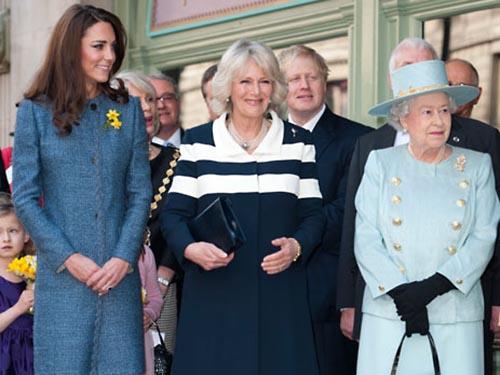 Từ trái sang: Kate Middleton, Camilla Parker-Bowles và Nữ hoàng Elizabeth II Ảnh: THE TELEGRAPH