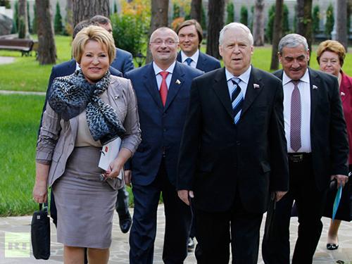 Một số thành viên Hội đồng Liên bang Nga Ảnh: RIA NOVOSTI