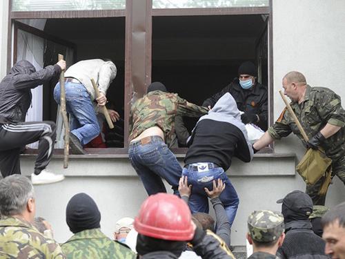 Tổng thống Alexander Turchynov thú nhận Ukraine hiện không có khả năng nắm quyền kiểm soát tình hình ở các vùng Donetsk và Luhansk  Ảnh: ITAR-TASS