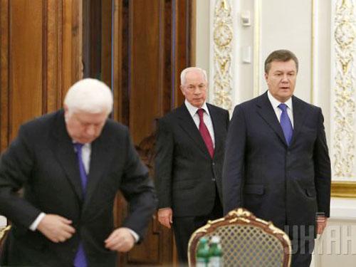 Từ phải sang: Các ông Viktor Yanukovych, Nikolai Azarov và Viktor Pshonok Ảnh: UNIAN