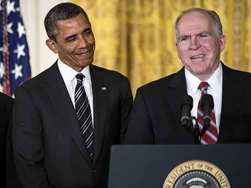 Ông John Brennan (bìa phải) được Tổng thống Barack Obama đề cử làm giám đốc CIA ngày 7-2-2013Ảnh: IDEASTREAM.ORG