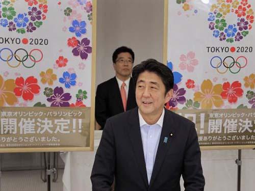 Thủ tướng Nhật Bản Shinzo Abe đang theo đuổi việc sửa đổi hiến pháp hòa bình Ảnh: REUTERS