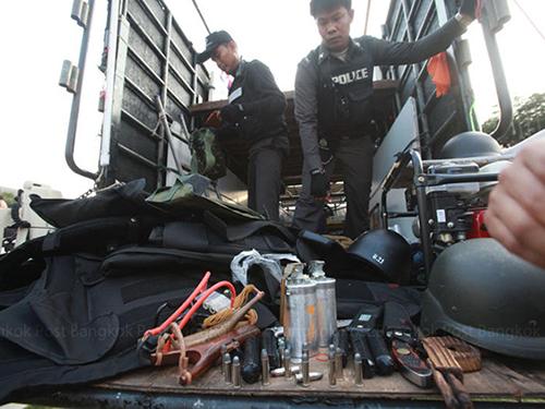 Phát hiện nhiều chất nổ gần địa điểm biểu tình ở Bộ Năng lượng Thái LanẢnh: THE BANGKOK POST