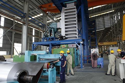 Doanh nghiệp thép trong nước lo ngại thép Nga sẽ tràn ngập thị trường. Ảnh minh họa