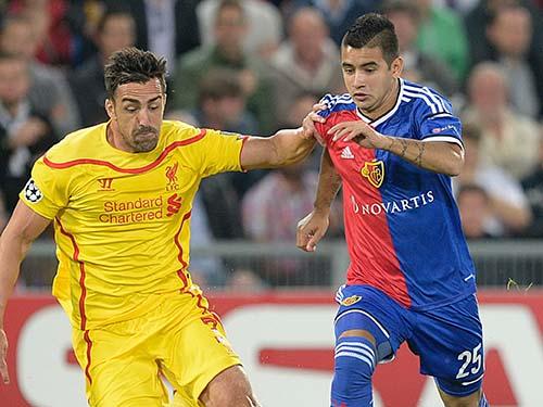 Liverpool của J.Enrique (trái) phải thắng Basel nếu không muốn CLB Thụy Sĩ giành vé vào vòng đấu loại trực tiếp Ảnh: REUTERS