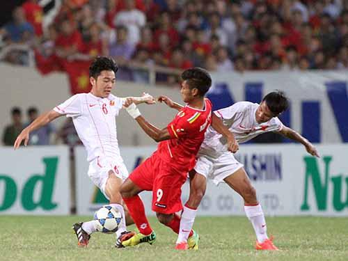 Xuân Trường (6), một trong những tuyển thủ U19 Việt Nam nhiều khả năng được bổ sung vào tuyển U23 dự SEA Games 2015Ảnh: Hải Anh