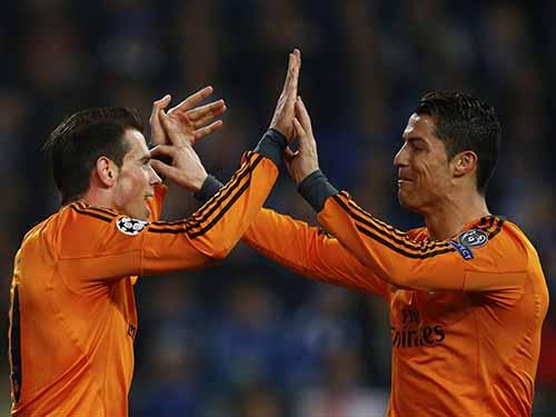 Bale (trái) chơi trận hay nhất trong màu áo Real rạng sáng 27-2Ảnh: REUTERS