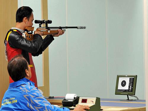 Xạ thủ Việt Nam ở cuộc thi 10 m mục tiêu di động giành HCĐ trưa 27-9Ảnh: Ngọc Linh