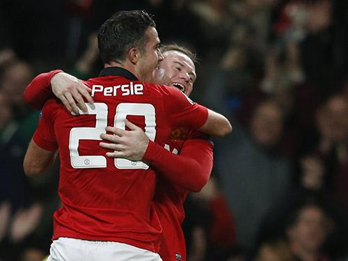 Màn ăn mừng cho thấy Van Persie - Rooney vẫn là bộ đôi ăn ýẢnh: REUTERS