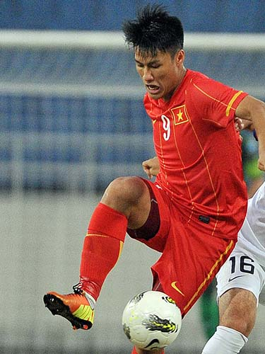 Mạc Hồng Quân (9) chơi xuất sắc với 1 bàn và 1 pha kiến tạo Ảnh: Hải Anh
