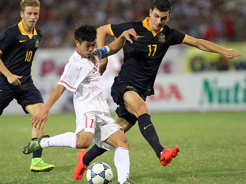 Công Phượng (giữa) lại phá lưới U19 Úc, lần này là bàn thắng còn ngoạn mục hơn 3 pha lập công cách đây 1 nămẢnh: HẢI ANH