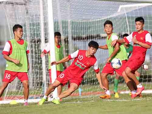 U19 Việt Nam trong buổi tập chiều 6-10 ở thủ đô Nay Piy Taw - MyanmarẢnh: Đức Anh
