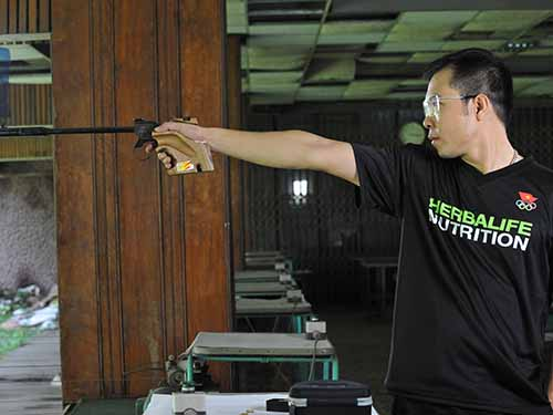 Xạ thủ Hoàng Xuân Vinh là một trong những niềm hy vọng của thể thao Việt Nam ở ngày thi đấu đầu tiên, 20-9 Ảnh: Đăng Phúc