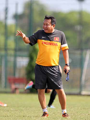 HLV Hoàng Văn Phúc sẽ là một trong những tâm điểm của đội tuyển Việt Nam ở đợt tập trung từ ngày 28-2 Ảnh: Hải Anh