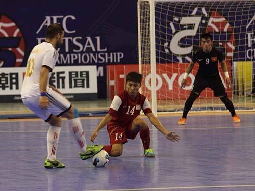 Đội tuyển futsal VN thắng 6-2 trong trận giao hữu với Lebanon tối 26-4Ảnh: Minh NGọc