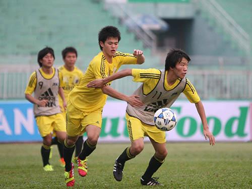 U19 Nhật Bản tập tối 4-1