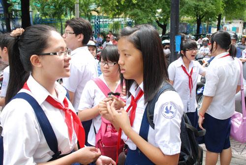 Học sinh TPHCM dự kỳ thi tuyển sinh lớp 10 năm học 2013-2014. Ảnh: T.Thạnh/NLĐO