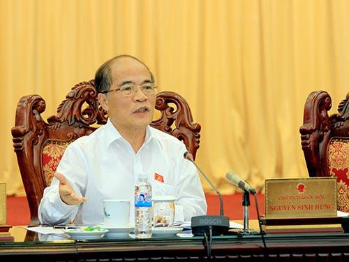 Chủ tịch Quốc hội Nguyễn Sinh Hùng chủ trì phiên họp