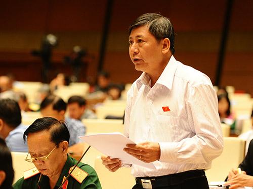 Đại biểu Trần Thanh Hải (TP HCM) đề nghị giữ nguyên công thức tính lương hưu hiện hành thích ứng với các thay đổi chính sách theo nguyên tắc đóng - hưởngẢnh: Hoàng Ngọc