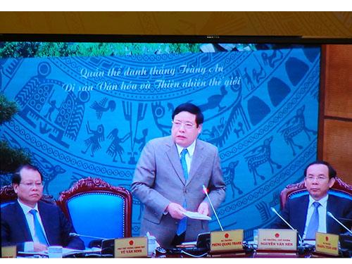 Bộ trưởng Bộ Quốc phòng Phùng Quang Thanh phát biểu tại cuộc họp