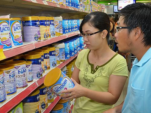 Sắp tới, nhà nước sẽ quy định giá trần đối với sản phẩm sữa dành cho trẻ em dưới 6 tuổiẢnh: TẤN THẠNH