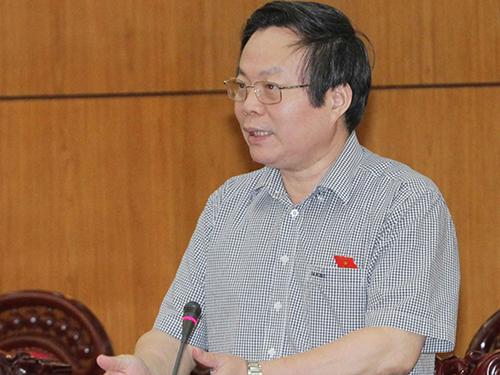 Chủ nhiệm Ủy ban Tài chính Ngân sách của Quốc hội Phùng Quốc Hiển phát biểu ý kiến tại phiên họpẢnh: TTXVN
