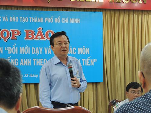 Ông Lê Hồng Sơn tại buổi họp báo sáng 23-6