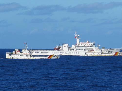 Lực lượng kiểm ngư Việt Nam kiên trì bám biển, kiên quyết thực thi pháp luật với phía Trung QuốcẢnh: VĂN DUẨN