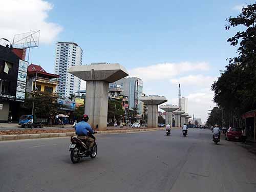 Công trình đường sắt đô thị Cát Linh - Hà Đông dự kiến hoàn thành cuối năm 2015Ảnh: ĐỖ DU
