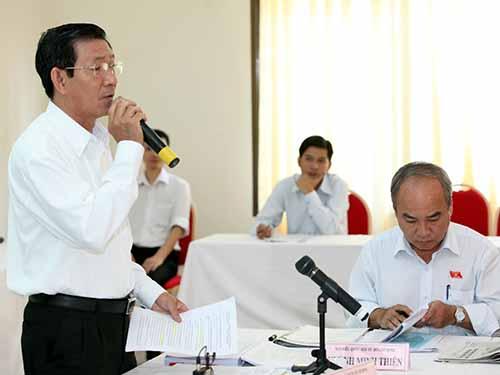 Đại biểu Phạm Văn Gòn (TP HCM) đề nghị bổ sung thông tin thêm màu mắt của công dân vào thẻ căn cướcẢnh: Thế Dũng