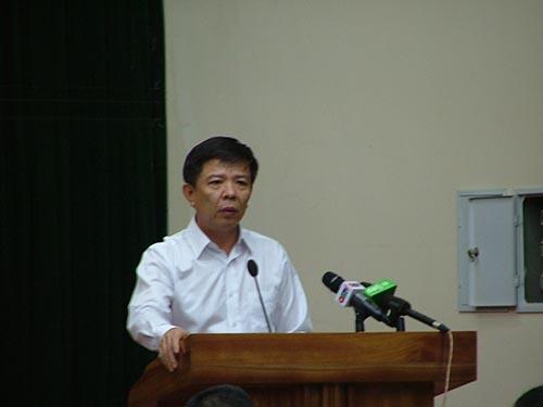 Ông Nguyễn Hữu Hoài, Chủ tịch UBND tỉnh Quảng Bình, nêu quan điểm của chính quyền tỉnh Quảng Bình về dự án tại buổi họp báo