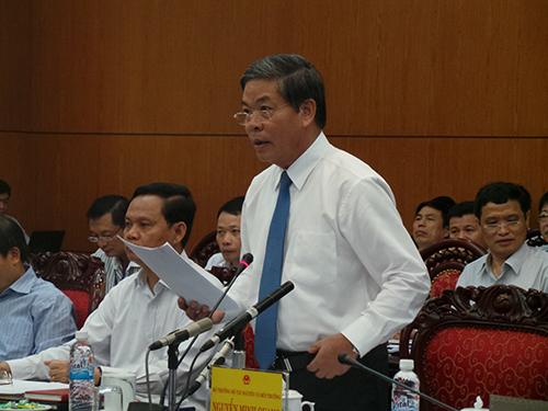 Bộ trưởng Nguyễn Minh Quang trả lời chất vấn