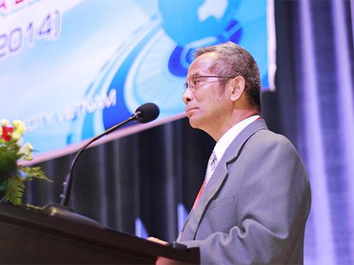 Chủ tịch Tổng LĐLĐ Việt Nam Đặng Ngọc Tùng phát biểu tại hội thảo sáng 25-7 Ảnh: HOÀNG TRIỀU