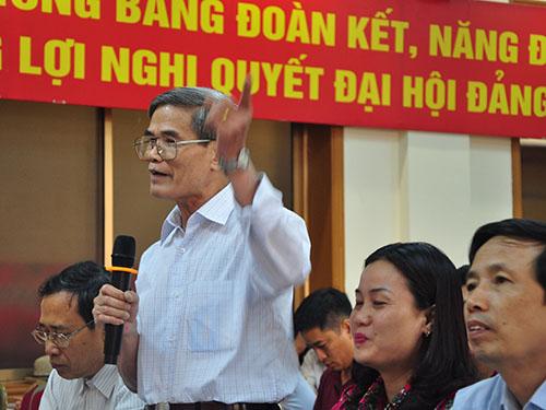 """Ông Nguyễn Văn Ngọc: """"Đến cậu lái taxi tôi gặp cũng nói rất hăng hái rằng sẽ sẵn sàng khi Tổ quốc gọi""""Ảnh: TRỌNG ĐỨC"""
