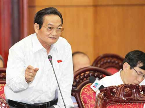 Phó trưởng Đoàn ĐBQH TP HCM Trần Du Lịch phát biểu tại hội nghị.Ảnh: TTXVN