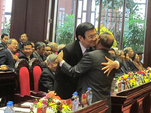 Chủ tịch nước Trương Tấn Sang và Chủ tịch Quốc hội Campuchia Heng Samrin tại lễ mít tinh kỷ niệm 35 năm ngày chiến thắng chế độ diệt chủng Pol PotẢnh: VĂN DUẨN