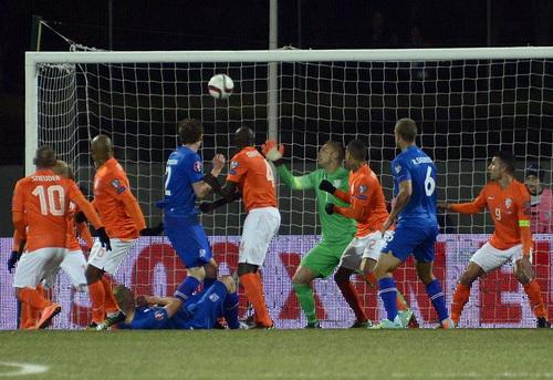 Hà Lan thua trận thứ hai từ đầu vòng loại