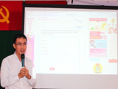 Ông Nguyễn Thái Dương, Phó Chánh Văn phòng LĐLĐ TP HCM, giới thiệu về cổng thông tin điện tử