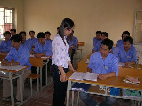 Một buổi kiểm tra tiếng Hàn dành cho lao động  có nhu cầu sang Hàn Quốc làm việc