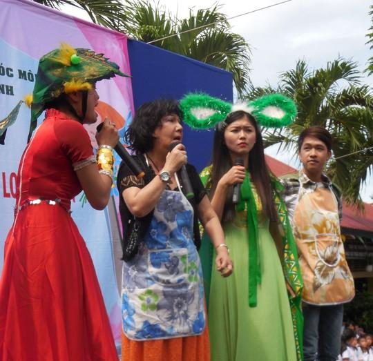 Nghệ sĩ Mỹ Chi, Kiều My, Trúc Đào và Trung Tính giới thiệu bài bản ĐCTT Nam Bộ thông qua hoạt cảnh Giấc mơ thần bếp