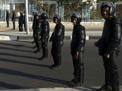 Cảnh sát được huy động bảo vệ phiên tòa