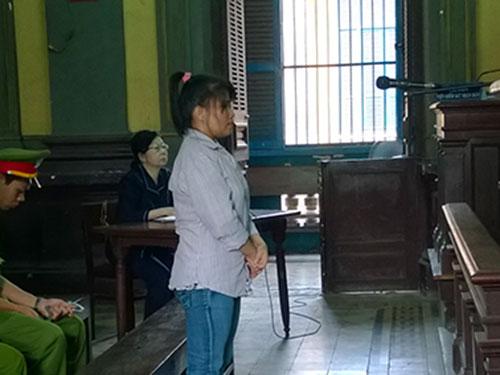 Hom Kosal thoát án tử nhờ có con nhỏ