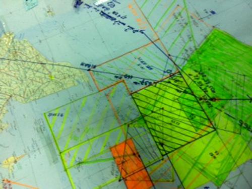 Khu vực chuyển hướng tìm kiếm mới được đánh dấu màu da cam. Trong đó Việt Nam tìm kiếm ở khu vực L637. Khu vực tìm kiếm nằm trong FIR (vùng thông báo bay) TP HCM (Việt Nam) và Singapore - Ảnh: Tô Hà