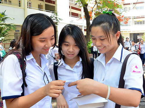 Thí sinh trong kỳ thi tốt nghiệp THPT 2014 tại Trường THPT Bùi Thị Xuân (quận 1, TP HCM) Ảnh: Tấn Thạnh