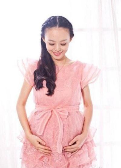 Cô Qui Yuanyuan trong thời gian mang thai. Ảnh: Weibo