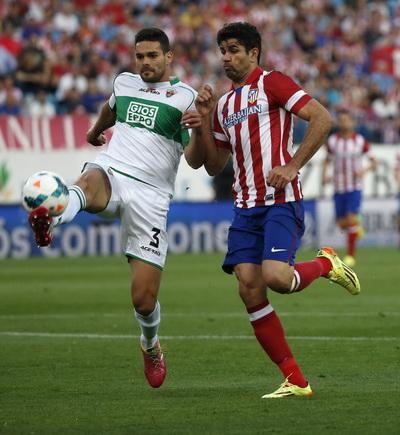 Elche gây nhiều khó khăn cho đội đầu bảng Atletico