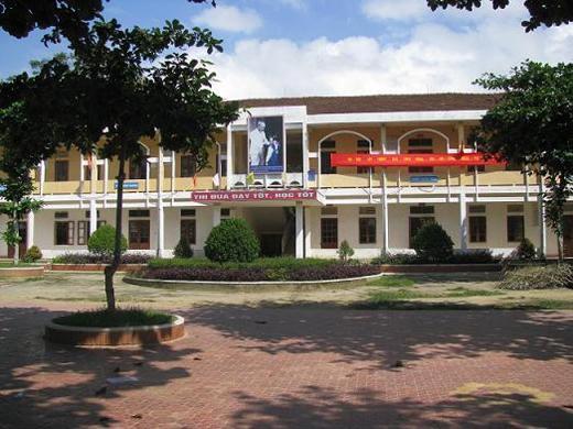 """Trường THCS Bồng Lĩnh cũng xảy ra việc thầy cô góp tiền để """"cảm ơn"""" xã"""
