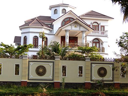 Căn biệt thự xây dựng trên khu đất rộng hơn 16.000 m2 tại xã Sơn Đông, TP Bến Tre của ông Trần Văn Truyền